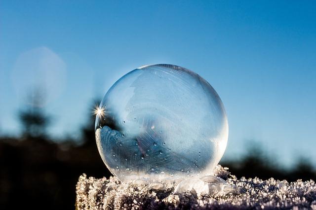 溶けにくい丸い氷