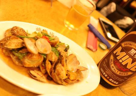 鵝肉城活海鮮(台北居酒屋)あさりの炒め煮
