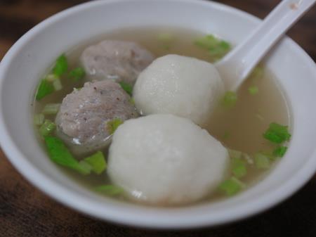佳興魚丸店つみれスープ