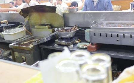 京屋本店調理場