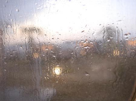 パームガーデン舞洲で突然の豪雨
