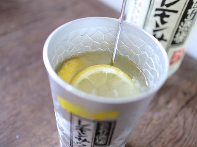 こだわり酒場のレモンサワーポカリアレンジチューハイ完成
