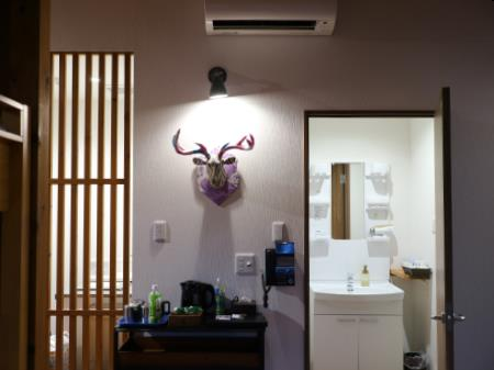 ネスタリゾートアウトドアキャビン6人部屋鹿